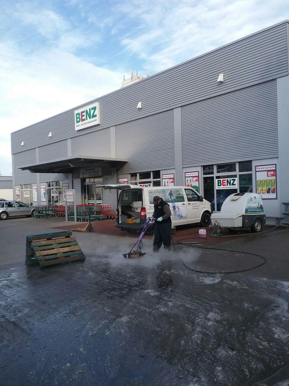 Parkplatzreinigung mit Kaugummientfernung von Saro Ulm