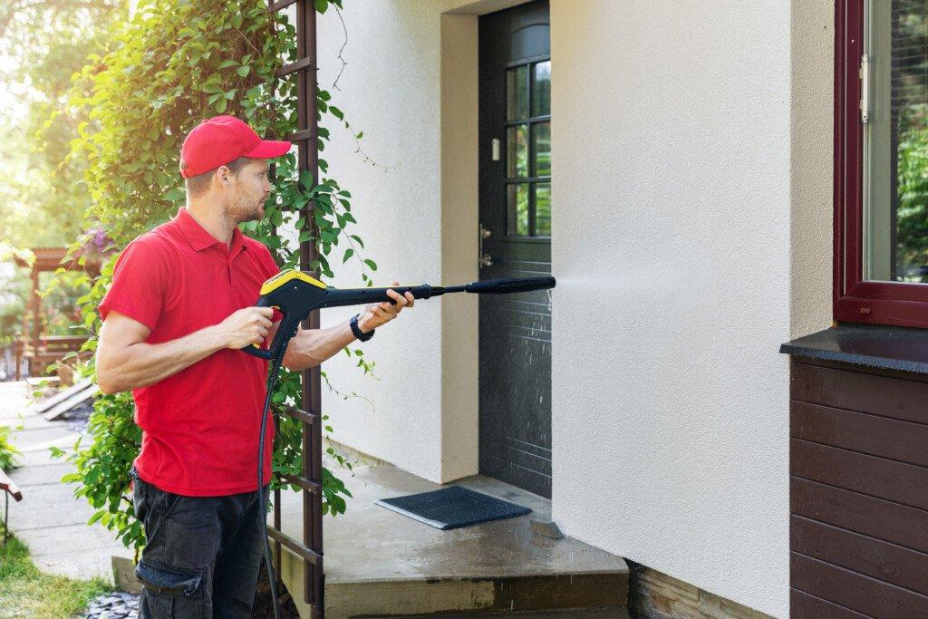 Putz Fassadenreinigung selber machen