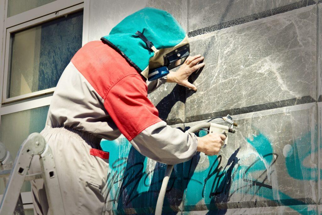 Graffiti selber entfernen